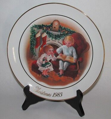 Set Of Five Avon Christmas Memories Collector Plates - 1981,1982,1983,1984 (N)