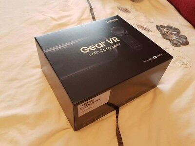 Samsung Galaxy Gear VR 2017 with Motion Controller (UK Version). NEW & Unopened!