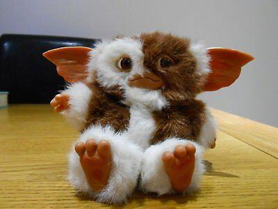 "Genuine ""Gremlins"" Gizmo Mini Plush Figure."