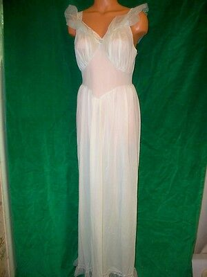 Rogers very Vintage light green nylon tricot long gown sz 36 Bust Nice Vintage