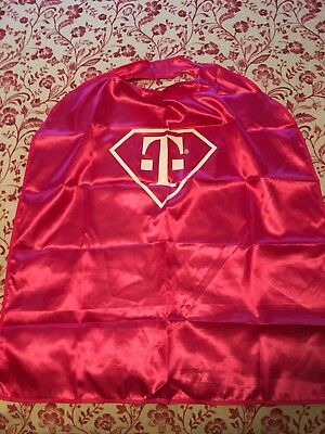 T-Mobile Tuesdays Pink Cape 2017 Brand New