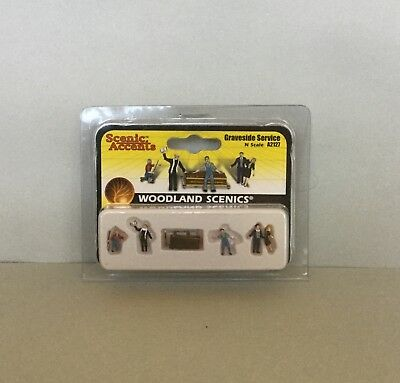 WOODLAND SCENICS N Scale Graveside Service Figures