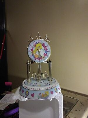 Looney tunes porcelain collectible anniversary clock