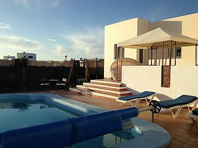 LAST MINUTE DEAL December 9th to 23rd large villa Playa Blanca &pool