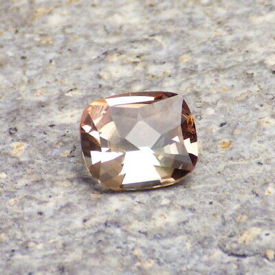 GREEN-PEACH DICHROIC SCHILLER OREGON SUNSTONE 1.34Ct FLAWLESS-FOR TOP JEWELRY!