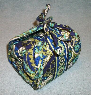 Vera Bradley Rhythm and Blues Jewelry roll up Travel Case All Wrapped Up