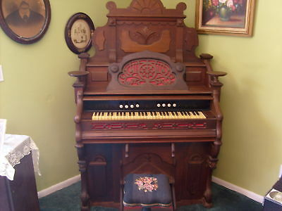 VERY  VINTAGE  BEAUTIFULLY  DESIGNED  #ed  PUMP ORGAN