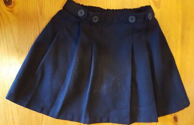 Girl's Navy Blue Chaps Pleated skirt size 6 Under shorts attached