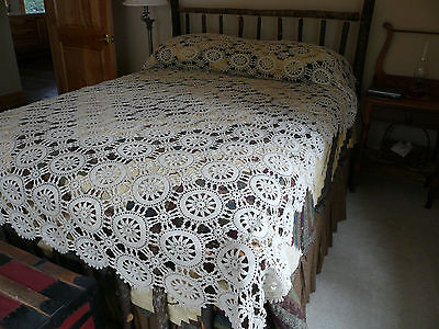Vtg Cotton Lace Crochet Bedspread Bed Topper 102x84 Ecru Tan Pinwheel Crocheted