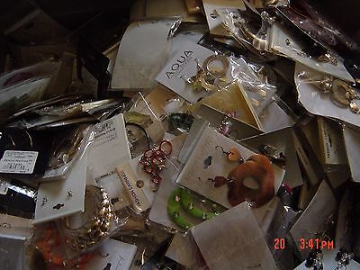 WHOLESALE JEWELRY LOT * 10 Pairs ASSORTED Dangle earrings bulk * * NEW * *
