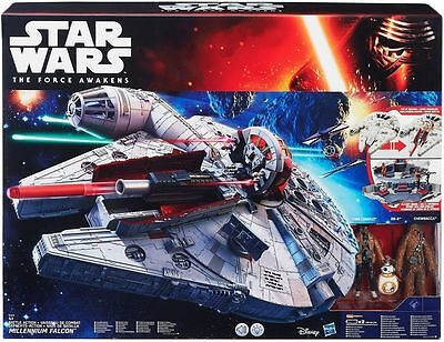 HASBRO® B3678 STAR WARS™ The Force Awakens Millennium Falcon™ mit Licht & Sound