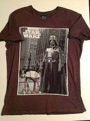 """Star Wars Darth Vader """"Walking The Dog"""" T-shirt Pre-owned Size Small"""
