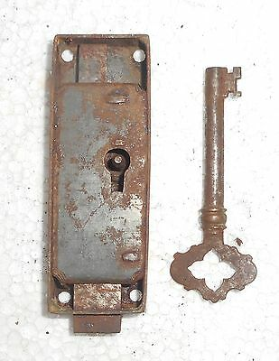 Vintage Big Iron Door Lock & Key Collectible from India Bt162