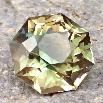 GREEN DICHROIC SCHILLER OREGON SUNSTONE 7.15Ct FLAWLESS-FROM PANA MINE-RARE!