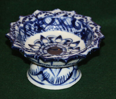 Vintage Blue And White Porcelain Footed Small Dish Pins Trinkets Sauces Salt