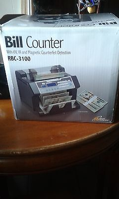 Royal Sovereign RBC-3100 Digital Cash Counter Mint condition, Tested, in Box
