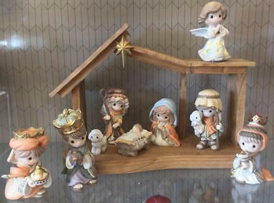2017 Precious Moments Hallmark Nativity Come Let Us Adore Him With 3 Kings NEW!