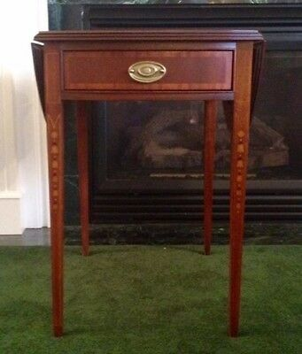 ETHAN ALLEN Solid Wood Mahogany Inlaid Pembroke End/Side/Lamp Table