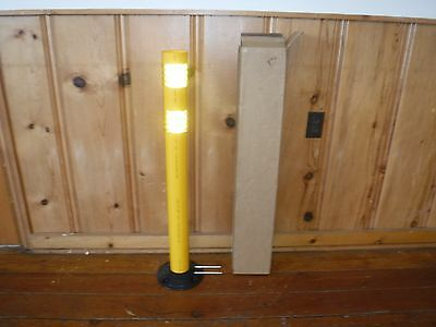Yellow Delineator Post, 04-736Y (E32T)