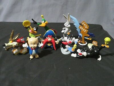 New Vintage Lot of 9 Looney Tunes PVC Figures Daffy~Bugs~Porky~Road Runner~Wile+