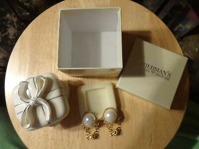 Vintage Paolo Gucci Gold-Tone Enamel Clip-On/Huge faux Pearl Earrings marked