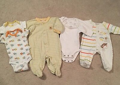 Lot Of 7 Baby Boys Girls Clothes ~  Size Newborn 0-3 Months
