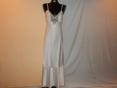 Vintage White/Beige Silk Laced Night Gown/Robe by CHLOE Lingerie, SIZE: Unmarked
