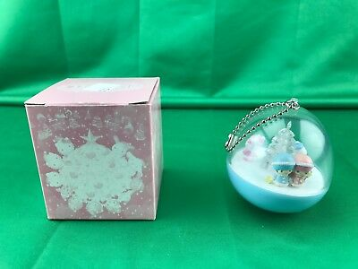 Authentic Japan 2004 Hello Kitty Sanrio Christmas Ornament