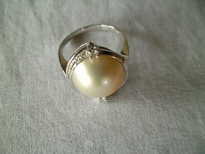 Ring mit sehr grosser Mabe-Perle inWeissgold (585)