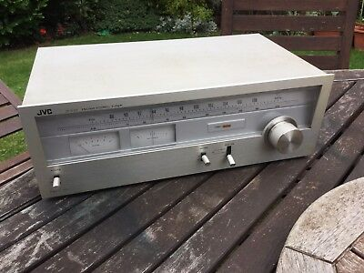 JVC Stereo Tuner Model IT-V22 ( No Panel Lights)