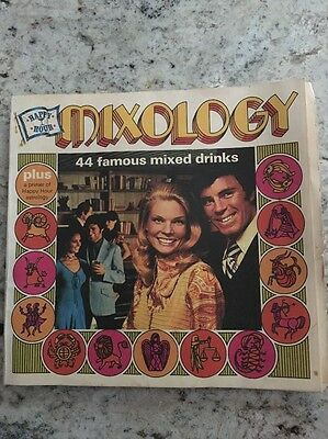 Vtg Original 1971 Southern Comfort Happy Hour Mixology Recipe Booklet Astrology