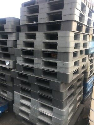 Plastic Pallets Heavy Duty Not Wooden Pallets 100 Available £5 Each