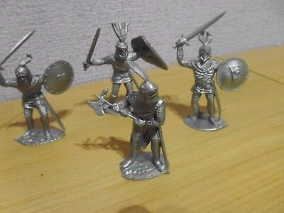 Vintage plastic toy soldiers 1/32 Timpo Solids Knights