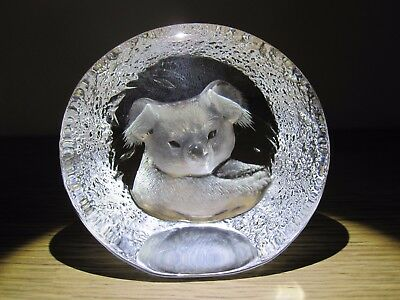Mats Jonasson glass paperweight
