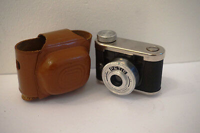 Petie Miniaturkamera mit Original Leder Tasche f=25 1:9  Made in Western Germany