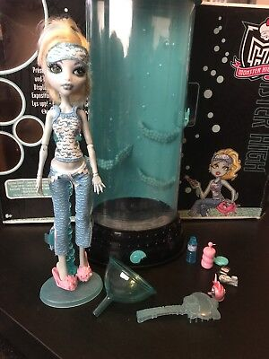Monster High Original Dead Tired Lagoona Blue And Her Hydration Station