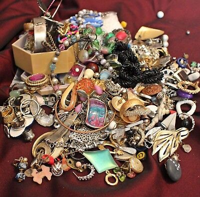 Huge Box Lot Of Vintage/mod Costume Jewelry~Wear Repair Craft Create~13 Pounds!