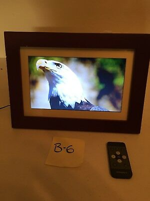 "Insignia 10"" Widescreen LCD Digital Photo Frame WITH POWER CORD AND REMOTE"