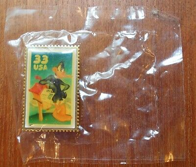 WB Looney Tunes 1999 USA 33¢ Daffy Duck Stamp Replica Pin - New in Package