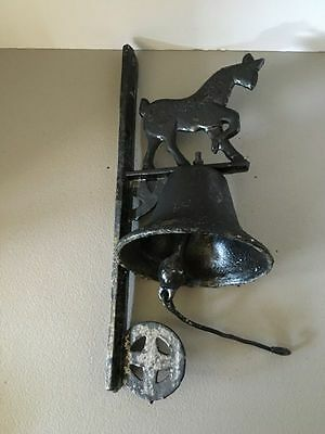 Vintage Heavy Cast Iron Farm Bell and Mounting Bracket With Horse Design (6/4)