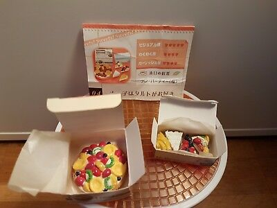Re-Ment Elegant Sweets Air Delivery Fruit Pie & Pie Slices - Barbie Sized Food