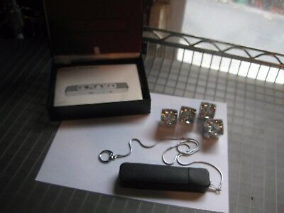 Vintage MINOX C Subminiature Spy Camera with Case ,Chain, Manual & 4 Flash Cubes