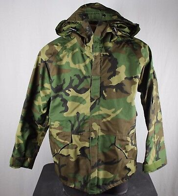 U.S. Military G1 Issue Cold Weather Gore-Tex Woodland Camo Parka Large Regular