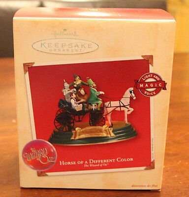 Hallmark Keepsake Horse Of A Different Color The Wizard of Oz Ornament Light