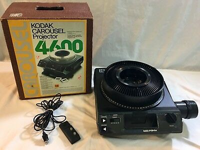 One Owner Kodak Carousel 4600 Slide Projector with Remote and Tray
