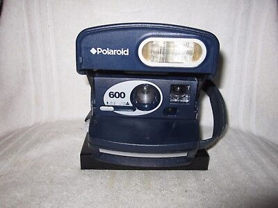Vintage Polaroid 600 Instant camera. Working blue