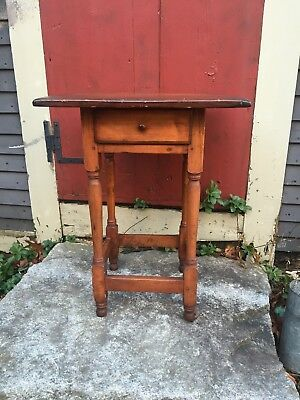VERY RARE Small 1750 NEW ENGLAND TAVERN TABLE MAPLE PINE CONN ATTIC FIND