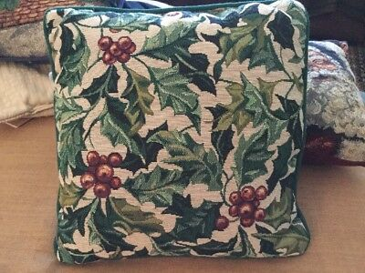 "Longaberger 13"" Holly Holiday Pillow"