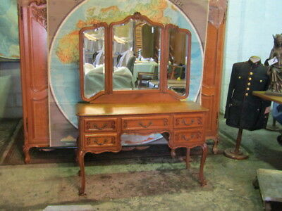 Oak dressing table,French with triple mirrors and drawers,nicely carved,Louis xv