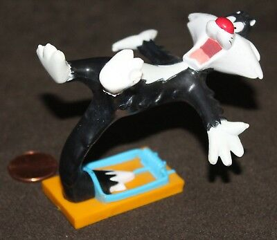 """1994 Tyco Looney Tunes, - SYLVESTER THE CAT - Caught in Mouse Trap, 3"""" figure"""
